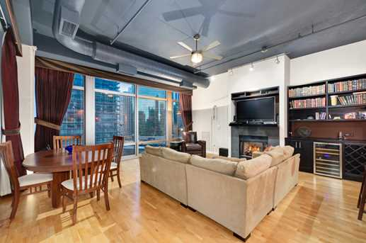 333 North Canal Street #1401 - Photo 7