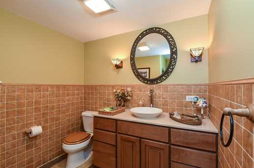 905 Oakwood Terrace - Photo 33