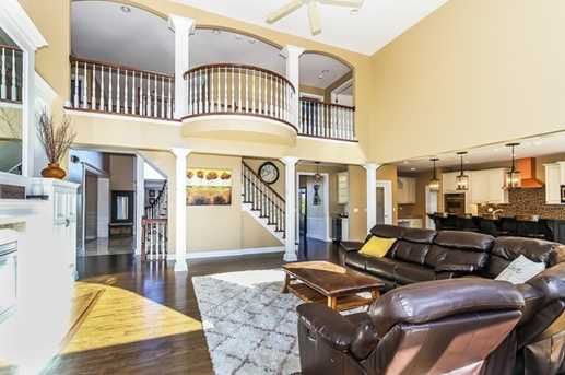 38W509 Golfview Court - Photo 9