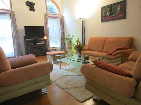 404 South Wenbriar Square - Photo 3