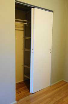 1742 W Rosehill Dr #2ND - Photo 9