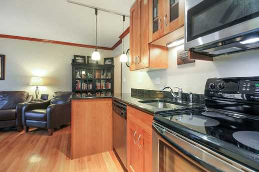512 West Barry Ave #404 - Photo 5