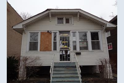 12025 South Wentworth Avenue - Photo 1