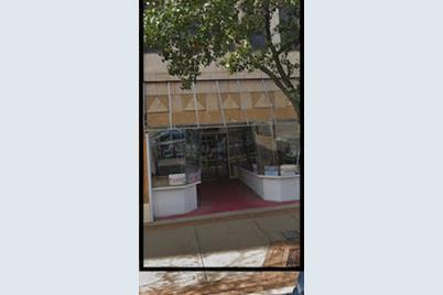 8 North Broadway Court - Photo 1