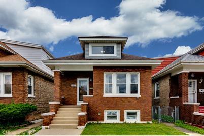 2423 South Lombard Avenue - Photo 1