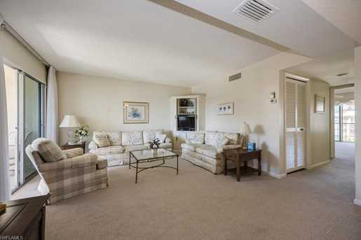 3200 Gulf Shore Blvd N, Unit #404 - Photo 5