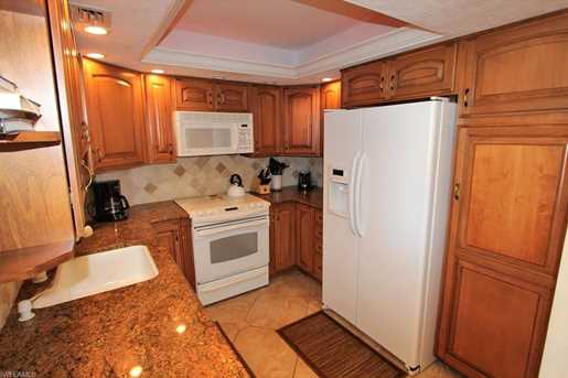 380 Seaview Ct, Unit #1810 - Photo 3