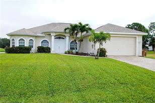 1437 NW 29th Pl - Photo 1