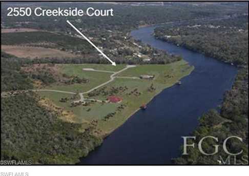 2550  Creekside Ct - Photo 2