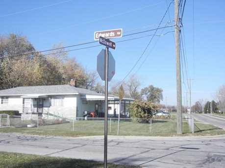 2102 Edwards Road - Photo 3