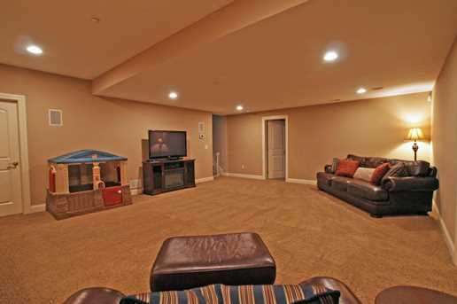 7201 Hoover Reserve N Court - Photo 33