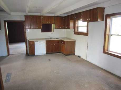 23049 Raymond Road - Photo 3