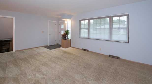 1431 Sandalwood Place - Photo 3