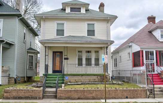 68 S Oakley Avenue - Photo 1