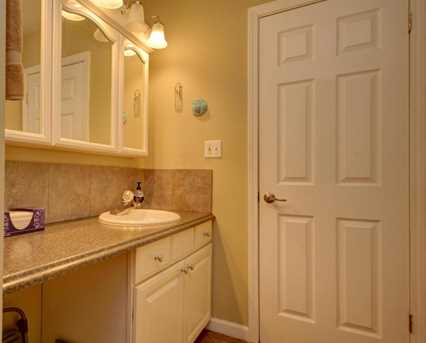 632 Moull Street - Photo 11