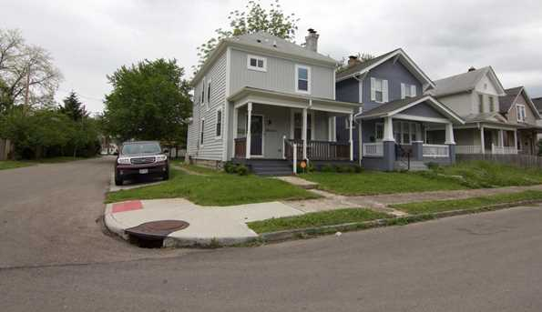 552 Siebert Street - Photo 3