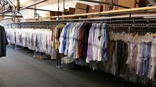 0000 Dry Cleaner - Photo 1