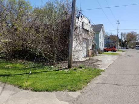 208 Slocum Ave - Photo 3