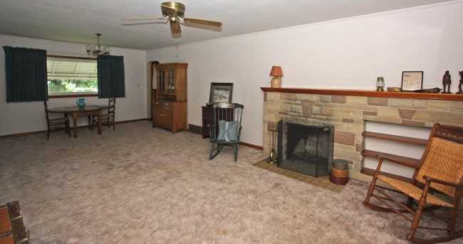 131 Mansfield Ave - Photo 3