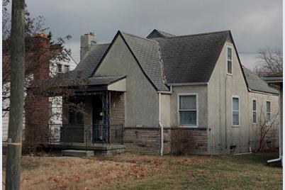 1694 Oakwood Avenue - Photo 1