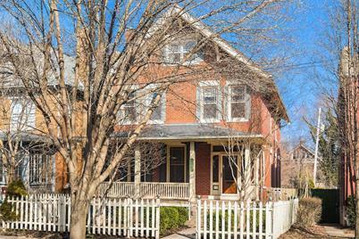 1548 Hawthorne Avenue - Photo 1
