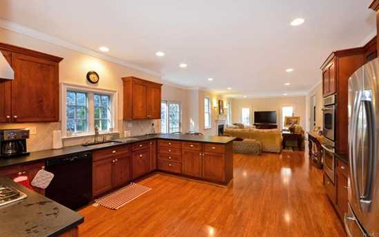 637 Scarsdale Road - Photo 10