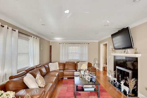 Charming ... Mount Vernon, NY 10552. 12 West Devonia Avenue   Photo 1 12 West  Devonia Avenue   Photo 2 ...