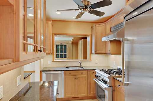 2561 Eastchester Rd - Photo 7