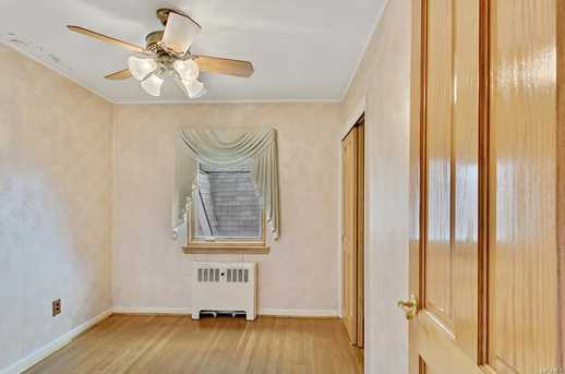 2561 Eastchester Rd - Photo 17