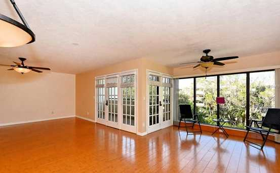 835 S Osprey Ave, Unit #306 - Photo 3