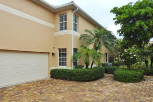 3416 Sunset Key Cir, Unit #B - Photo 1