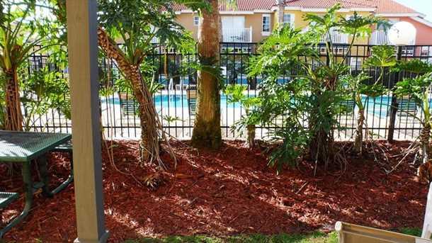 977 Park Terrace Cir - Photo 17