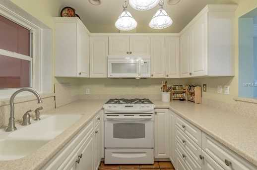 832 Narcissus Ave - Photo 5