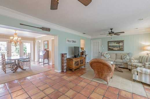 832 Narcissus Ave - Photo 4