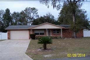 571 Parkdale Ct - Photo 1