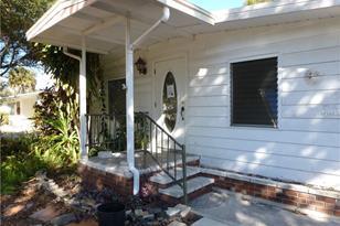 933 Myrtle Ave - Photo 1
