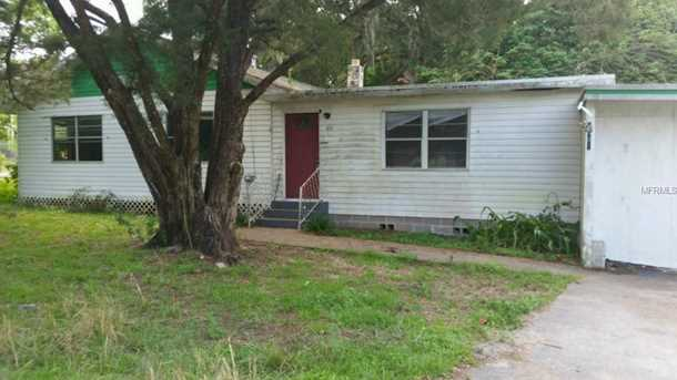 2401 Colonial  St - Photo 1