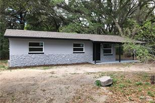 462 NW 9th Ave - Photo 1
