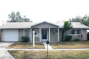 2203 Colonial Ave - Photo 1
