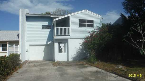 42 Colonial  Dr - Photo 1