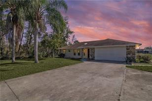 11710 Lakeview Dr - Photo 1