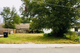 513 Albany Ave - Photo 1