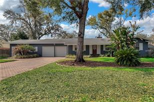 1065 Gregory Dr - Photo 1
