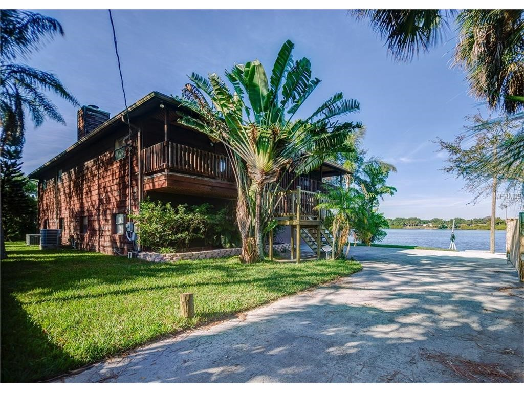 Residential for Sale at 9901 Bay Dr Gibsonton, Florida 33534 United States