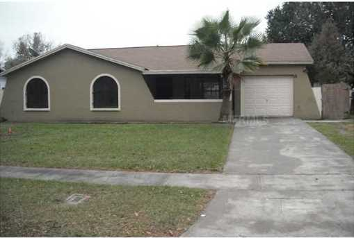 8824 Oak Cir - Photo 1