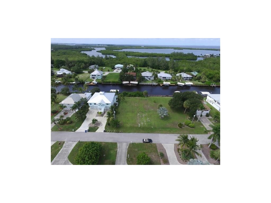 Mobile / Manufactured for Sale at 16331 Shoal Ct Bokeelia, Florida 33922 United States