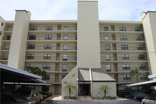 3200 Cove Cay Dr, Unit #6A - Photo 1