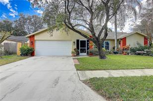 2167 Cypress Point Dr N - Photo 1