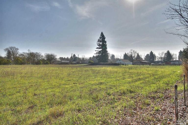 Additional photo for property listing at 851 Brittain Lane  SANTA ROSA, CALIFORNIA 95407