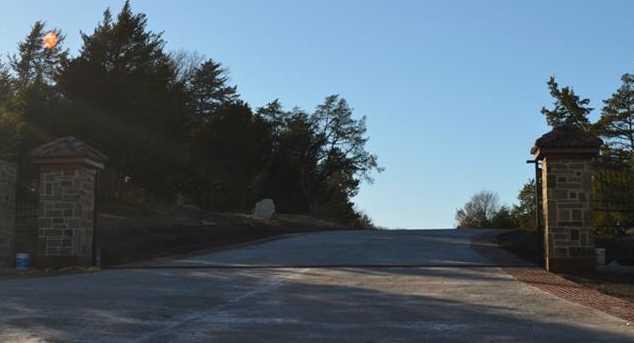 3830  Waters Edge Drive - Photo 3